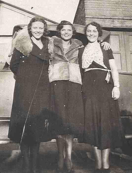 Agnes Murray, Marion Sayers Murray, Margaret Murray